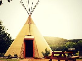 Tipi #2 Deer - Tipis On The Guadalupe photos Exterior