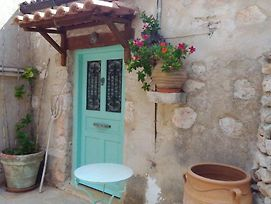 Quaint Greek Cottage, Rural Setting, Great Views. photos Exterior