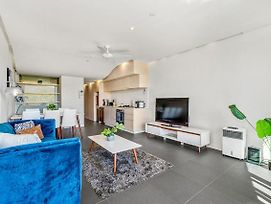 Sleek Modern Apartment In Canberra'S Best Location photos Exterior