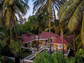 Ama Stays & Trails, Beach House Madh Island photos Exterior