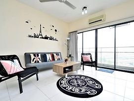 4-7Pax Cozy Lifestyle In Setiawalk Mall\Walk 2 Lrt photos Exterior