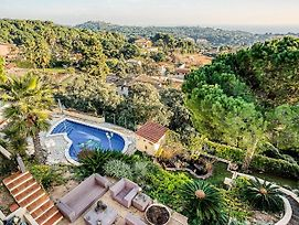 Lavish Holiday Home In Lloret De Mar With Swimming Pool photos Exterior