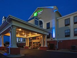 Holiday Inn Express Hotel & Suites Laurinburg photos Exterior