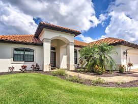 Alluring Waterfront Cape Coral Home With Lanai And Dock photos Exterior