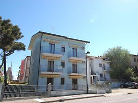 Scenic Apartment In Rosolina Mare With Parking photos Exterior