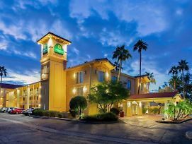 La Quinta Inn By Wyndham Phoenix Sky Harbor Airport photos Exterior