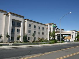 Holiday Inn Express Stockton Southeast photos Exterior