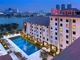 Ibis Bangkok Riverside photos Exterior