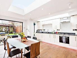 Modern Chic 3Br Townhouse In Central Oxford photos Exterior