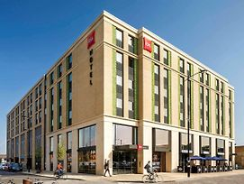 Ibis Cambridge Central Station photos Exterior