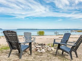 Grandview Beach House An Incredible Beach Waterfront Is Waiting For You! photos Exterior