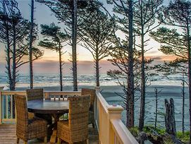 Beach Bluff Five Bedroom Home photos Exterior