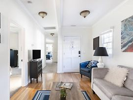 Soak Up The Light At A Chic Duplex 6 Blocks From King Street photos Exterior
