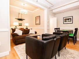 Fully Furnished, Beautiful, Renovated 1Bedroom, In-Unit Laundry photos Exterior