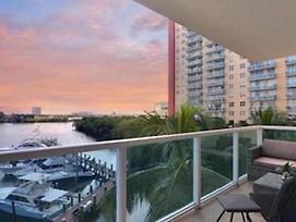 Miami Beach/Sunny Isles - Gracious 2 Bedroom/2 Bathroom With Stunning Views photos Exterior
