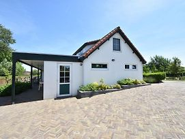 Luxury Holiday Home In Oostvoorne By The Lake photos Exterior