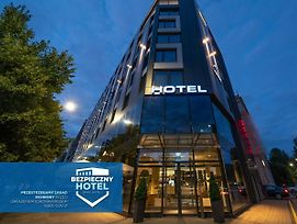 Q Hotel Plus Wroclaw photos Exterior