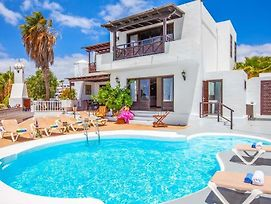 Puerto Del Carmen Villa Sleeps 14 With Pool Air Con And Wifi photos Exterior
