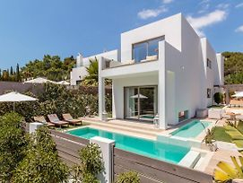Exclusive 4 Bedroom Villa Minutes From The Beach, Ibiza Villa 1010 photos Exterior