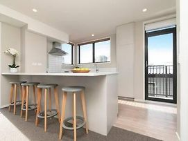 Five Star City Townhouse With A Carpark! photos Exterior