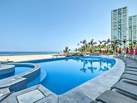 Oceanfront Resort Condo W/ Stunning Beach Views! photos Exterior