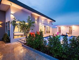 Familia House Pool Villa photos Exterior