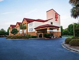 Red Roof Inn & Suites Savannah Gateway photos Exterior