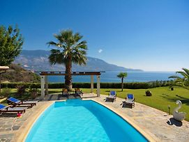 Kefalonia Villa Sleeps 6 With Pool Air Con And Wifi photos Exterior