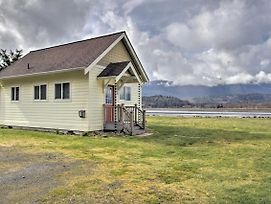 Quiet Quilcene Cottage W/ Mtn Vistas + Loft! photos Exterior