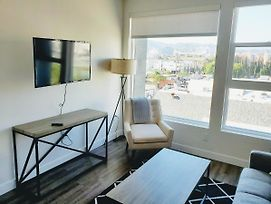 Upscale Apartments In Hollywood La - A photos Exterior
