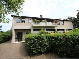 Great Location - Apartment 3 Bedrooms In Dusseldorf ! photos Exterior