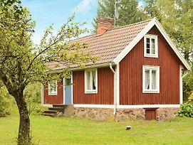 Two-Bedroom Holiday Home In Vissefjarda 1 photos Room