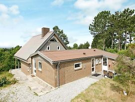 Three-Bedroom Holiday Home In Ebeltoft 41 photos Room