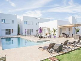 Colonia De Sant Jordi Villa Sleeps 11 Pool Air Con photos Exterior