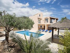 Colonia De Sant Jordi Villa Sleeps 9 Pool Air Con photos Exterior