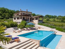 Giove Villa Sleeps 8 Pool Air Con Wifi photos Exterior