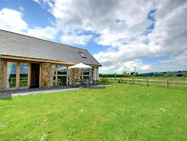 Spacious Holiday Home In Umberleigh With Meadow View photos Exterior