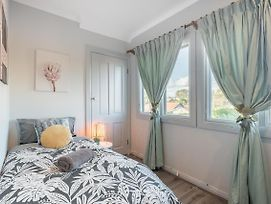 Boutique Private Rm Situated In The Heart Of Burwood5 photos Exterior