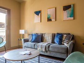 Upscale 1Br Apt With City View photos Exterior