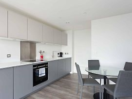 Modern And Stylist 1Bed Flat In New Building photos Exterior