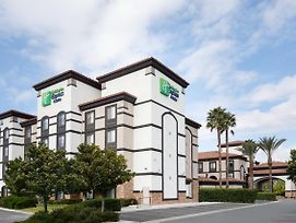 Holiday Inn Express And Suites Ontario Airport photos Exterior