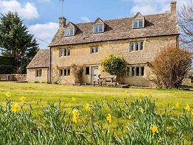 Stunning Cotswold Hills Retreat By Gloucestershire photos Exterior
