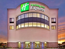Holiday Inn Express Waterloo Cedar Falls photos Exterior