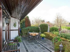 Vintage Holiday Home In Mielinghausen On The Hillside photos Exterior
