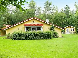 Three-Bedroom Holiday Home In Herning 1 photos Room