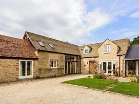 Vintage Barn Conversion Near Faringdon photos Exterior