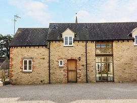 Vintage Family Barn Conversion Near Faringdon photos Exterior