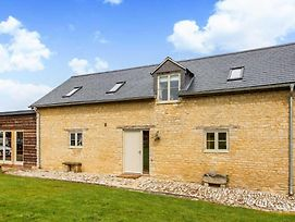 Deluxe Cotswolds Barn Conversion Near Faringdon photos Exterior