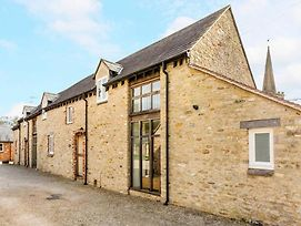 Traditional Family Barn Conversion Near Faringdon photos Exterior