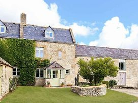 Rustic Cotswolds Farmhouse By Burford photos Exterior